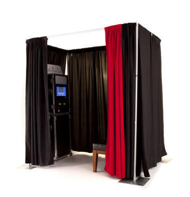 Photobooth with curtain